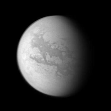 Detectan materiales orgánicos en Titán